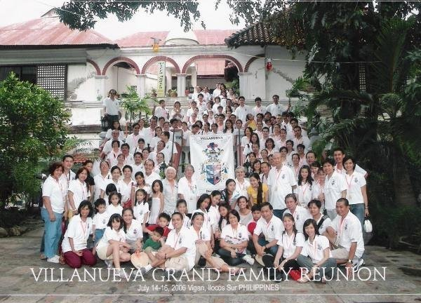 villanueva-grand-family-reunion1